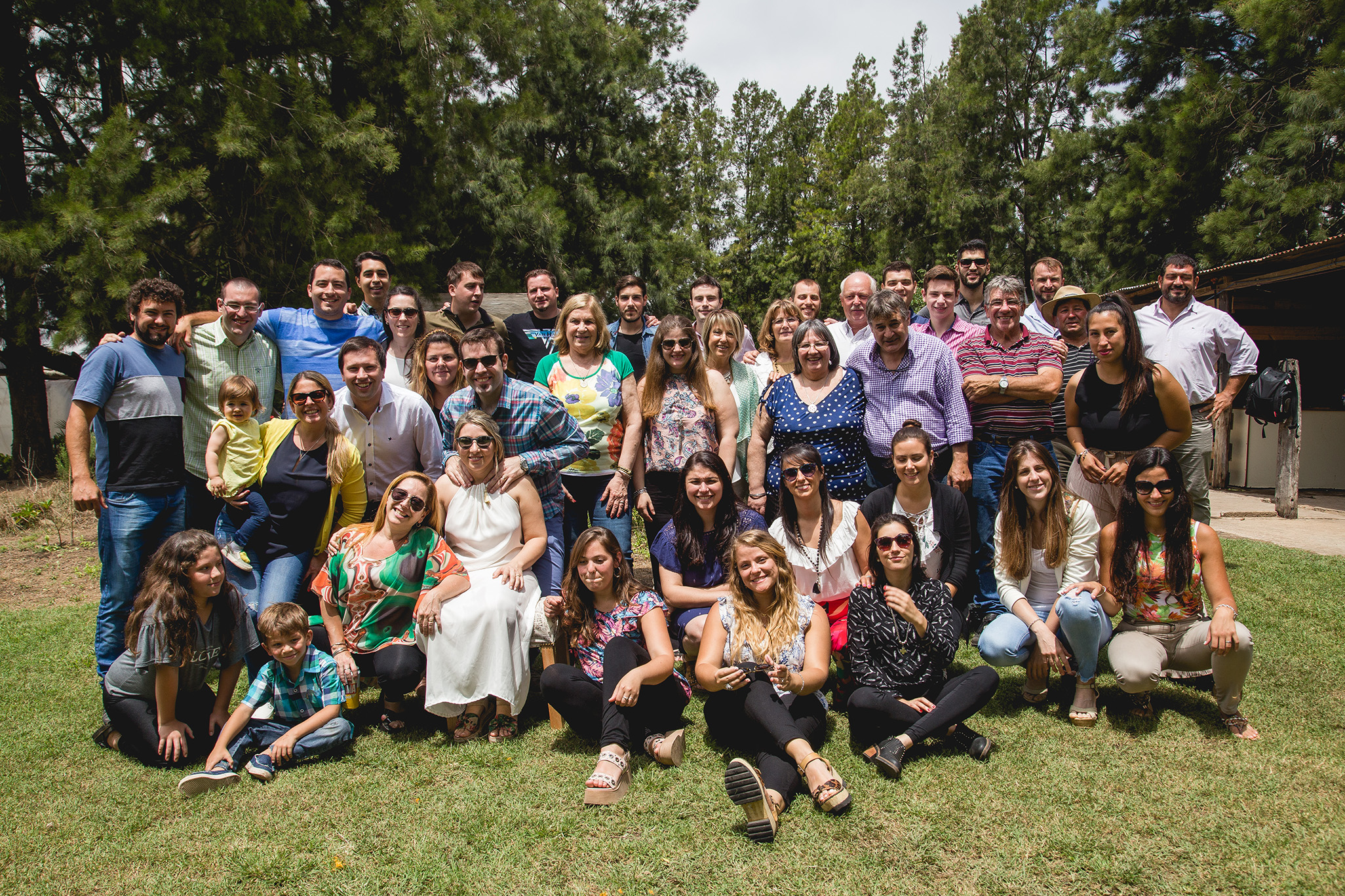 Fotos del civil de Ro y Eze en Las Rosas realizadas por Bucle Fotografias. Flor Bosio y Caro Clerici