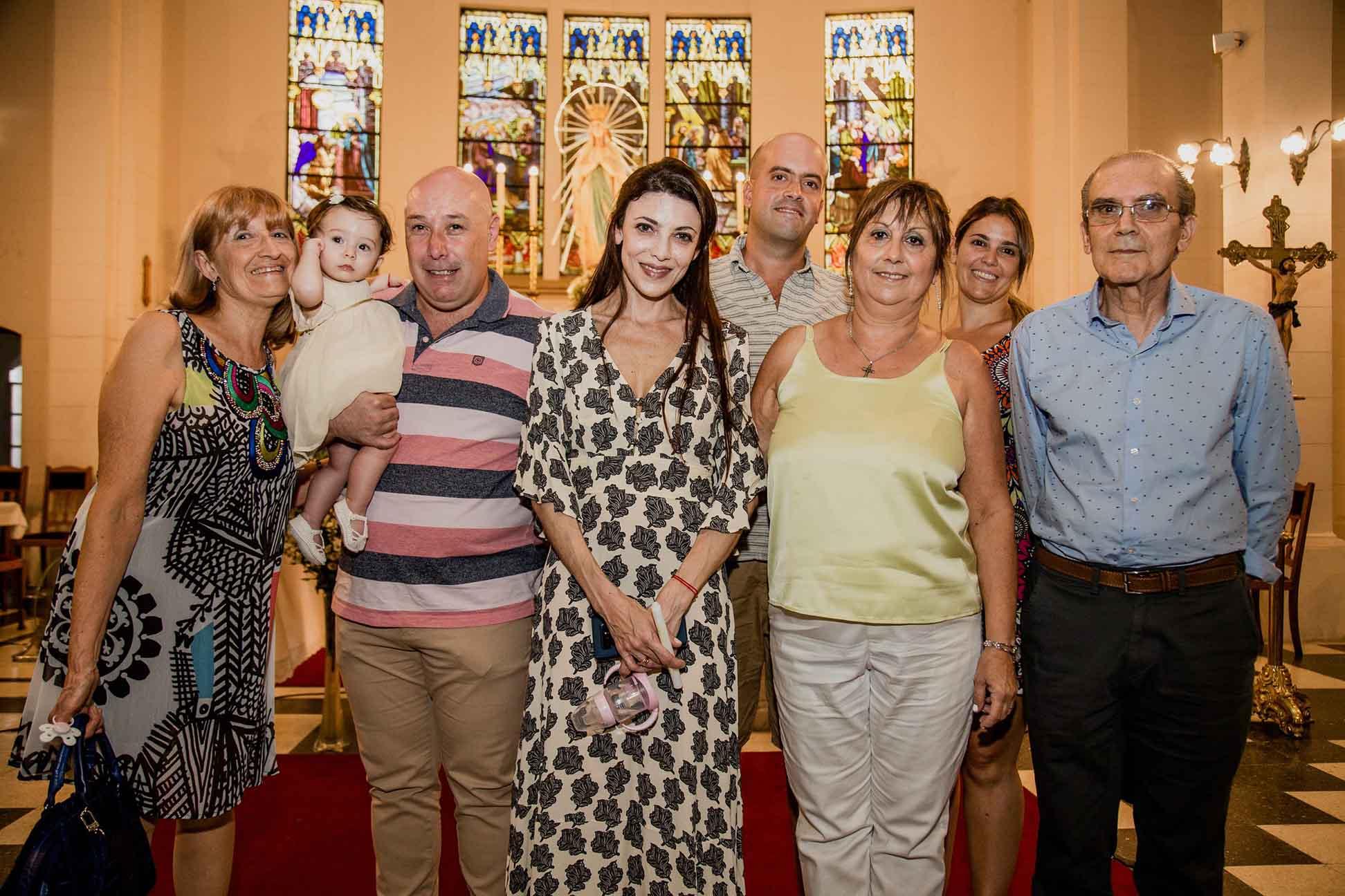 Fotos del bautismo de Guada y el cumple de cuarenta de Vicky en Rosario realizadas por Bucle Fotografías Flor Bosio y Caro Clerici