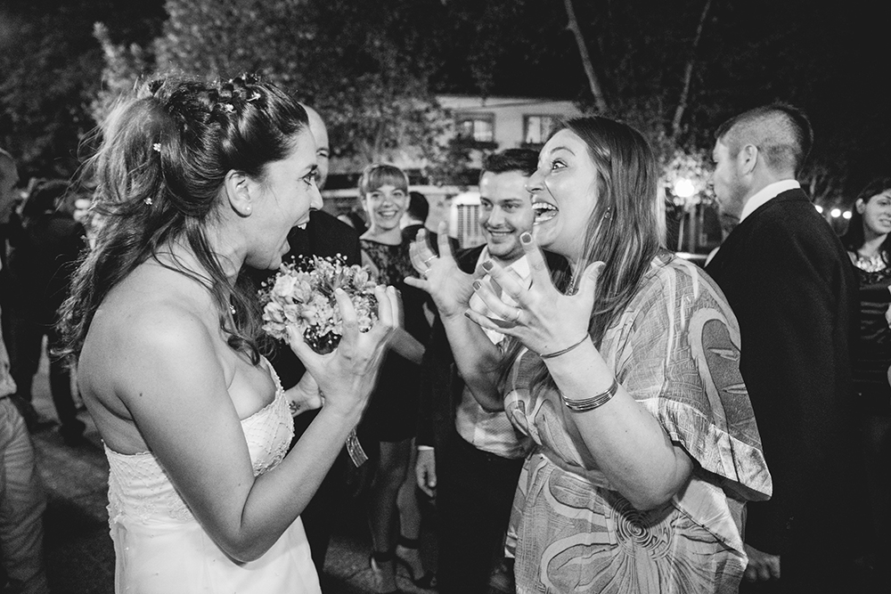 Fotos de la boda de Ceci y Sergio Casamiento en Rosario realizado por Bucle Fotografías Fotógrafas Flor Bosio y Caro Cle Salón de Eventos La Arbolada Decoración Gabriela Guerrero Eventos.