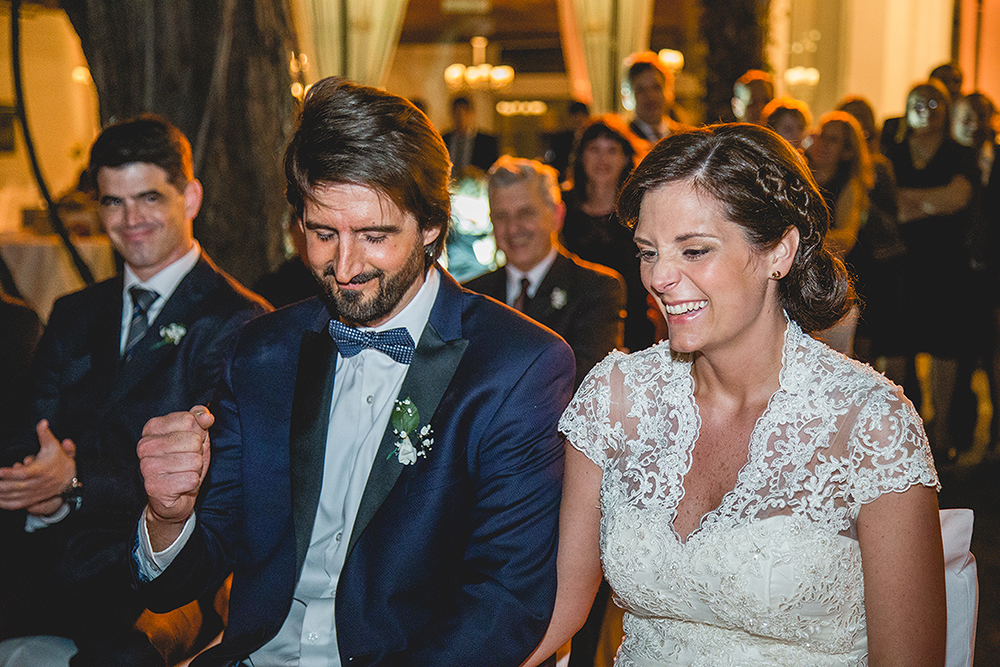 Fotos de la boda de Josefina y Pablo en Rosario realizado por Bucle Fotografías.Fotógrafas Flor Bosio y Caro Cle. Villa Margherita