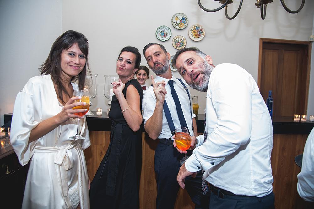 Fotos de la boda de Juano y Nico. Casamiento en Rosario realizado por Bucle Fotografías.Fotógrafas Flor Bosio y Caro Cle