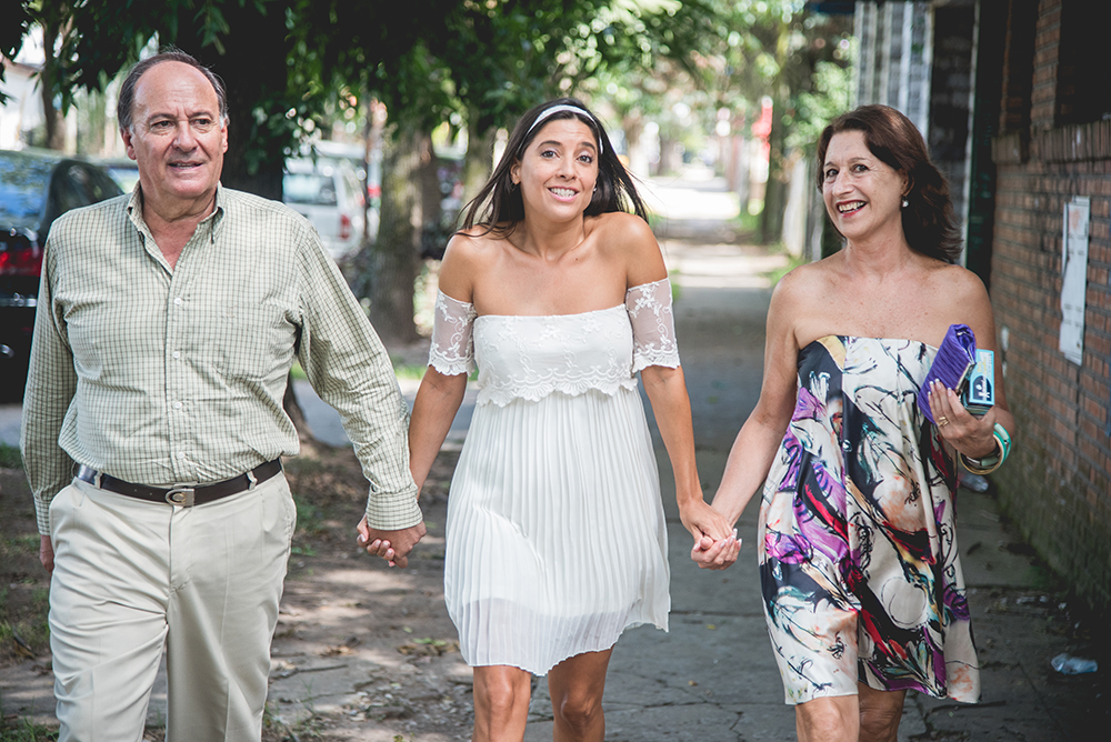 Fotos de la boda de Lau y Fede. Casamiento en Rosario realizado por Bucle Fotografías.Fotógrafas Flor Bosio y Caro Cle