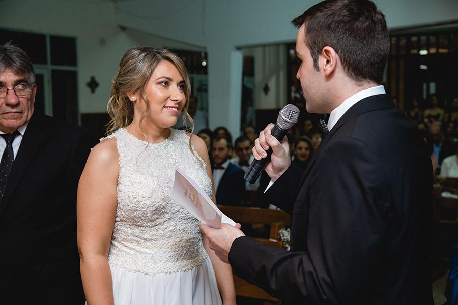 Fotos de la boda de Ro y Eze en Firmat realizadas por Bucle Fotografias. Flor Bosio y Caro Clerici