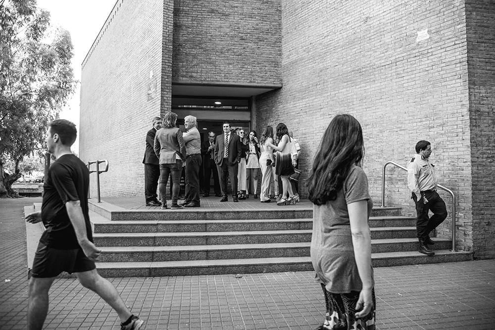 Fotos del civil de Loli y Martin en Rosario realizado por Bucle Fotografías.Fotógrafas Flor Bosio y Caro Cle.