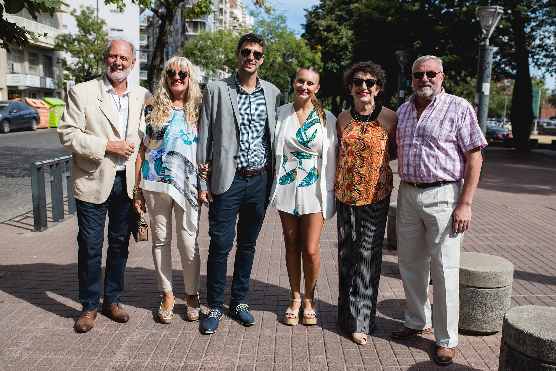 Fotos del civil de Luisi y Maxi en Rosario realizadas por Bucle Fotografías Flor Bosio y Caro Clerici