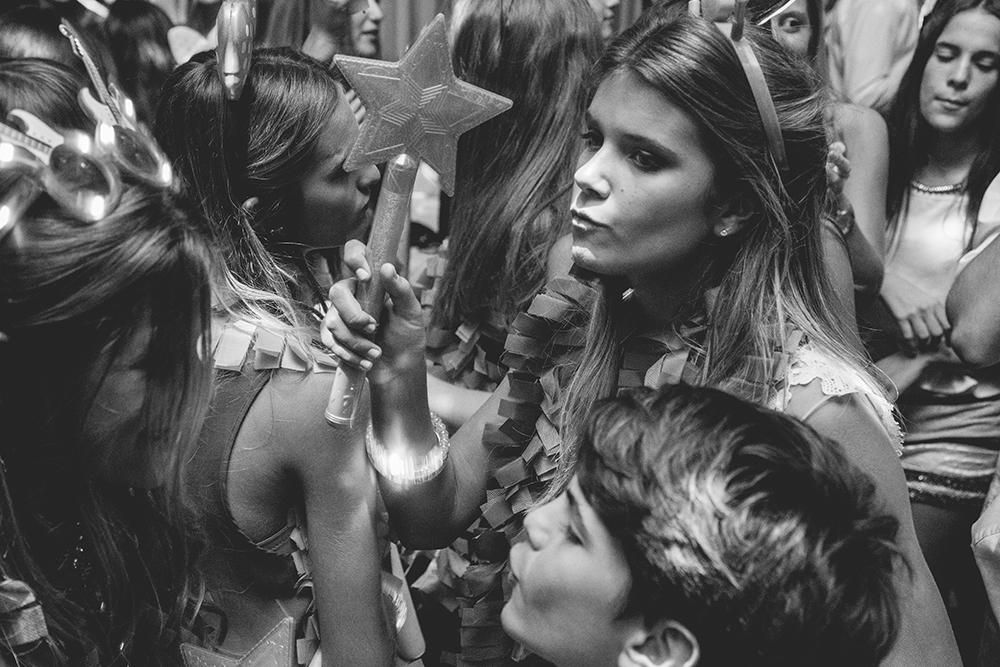 Fotos de los quince años de Sofi en Rosario realizado por Bucle Fotografías Fotógrafas Flor Bosio y Caro Cle en Terrazas del Paraná.