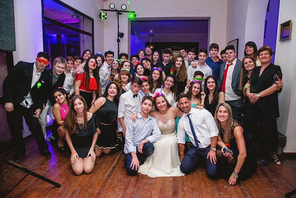 Fotos de los quince años de Vicky. Quince años en Rosario realizado por Bucle Fotografías.Fotógrafas Flor Bosio y Caro Cle