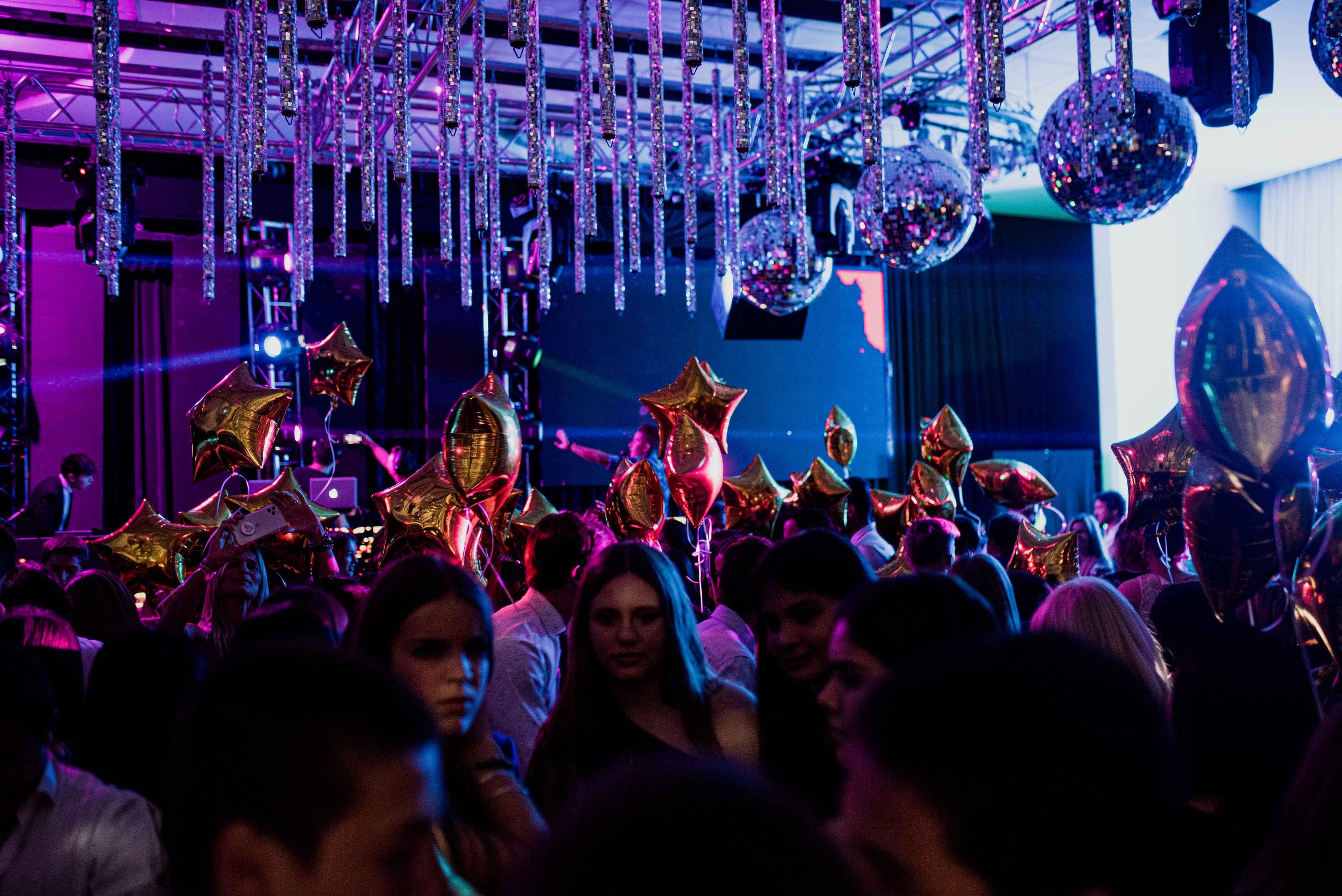 Fotos de la fiesta de quince de Chiara en Rosario realizadas por Bucle Fotografias Flor Bosio y Caro Clerici