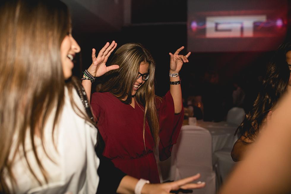 Fotos del cumpleaños de XV de Reni en Rosario Bucle Fotografias Flor Bosio y Caro Clerici