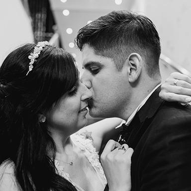 Imagen destacada de las fotos de la boda de Cintia y Cristian en Rosario realizadas por Bucle Fotografias. Flor Bosio y Caro Clerici