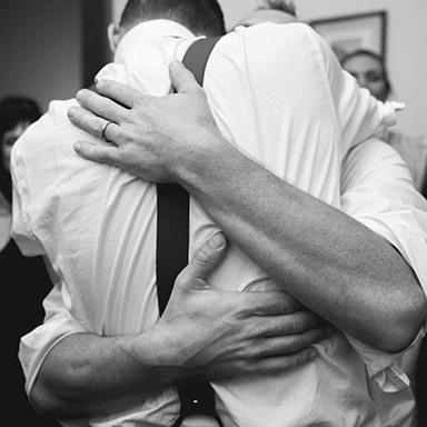 Imagen destacada, fotos de la boda de Juano y Nico. Casamiento en Rosario realizado por Bucle Fotografías.Fotógrafas Flor Bosio y Caro Cle