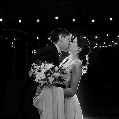 Imagen destacada de las fotos de la boda de Noelia y Alfredo en Rosario realizadas por Bucle Fotografias Flor Bosio y Caro Clerici