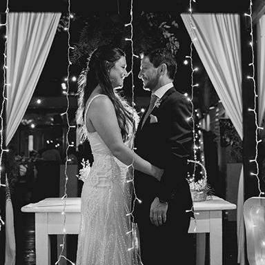 Imagen destacada de las fotos de la boda de Pau y Andres en Rosario realizadas por Bucle Fotografias Flor Bosio y Caro Clerici