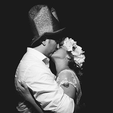 Imagen destacada, fotos de la boda de Paz y Alejandro. Casamiento en Rosario realizado por Bucle Fotografías.Fotógrafas Flor Bosio y Caro Cle