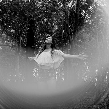 Imagen destacada de las fotos de la sesion de XV de Mora en Rosario Realizadas por Bucle Fotografias Flor Bosio y Caro Clerici
